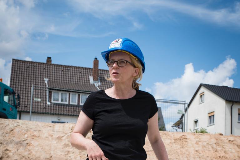 Natascha Kohnen auf Baustellenbesuch